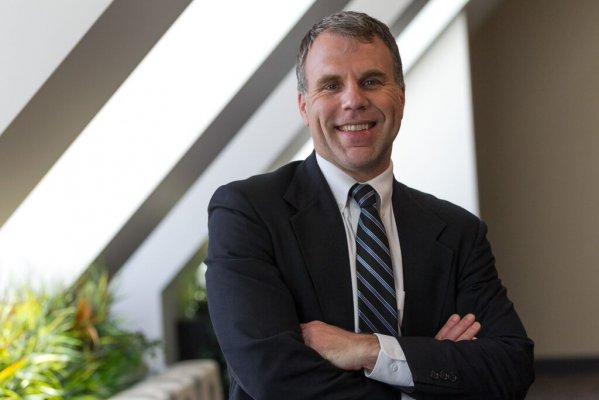 Dr. Nicholas Perrin Photo